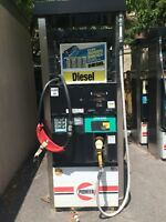Gas station fueling pumps (used )