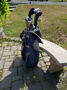 Ladies right handed wilson golf clubs and bag