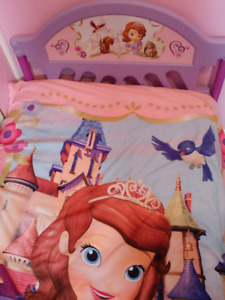 SOLD Sofia the First toddler bed and Sofia the First bedding
