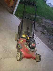 Lawnmower with rear bagger