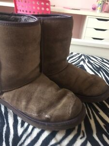 Authentic Uggs size 9 London Ontario image 3