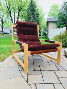 Fauteuil style mid century scandinave cuir et tissu