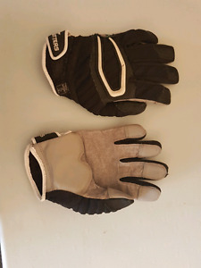 Cutter football linemen gloves