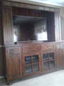 BIRCHWOOD ENTERTAINMENT UNIT.   ( like new)  Must see..