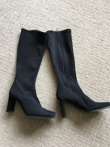 Ladies boots and shoes in size 7-7.5