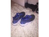 Nike huaraches unisex size 5