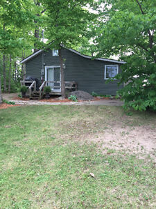 Beautiful Lakefront Cottage for Rent!