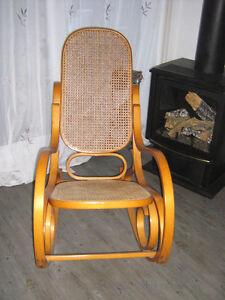 Chaise chaise fauteuil dans laurentides petites for Chaise de bureau costco