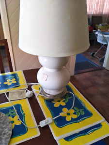 Table lamp modern style ($25)
