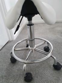 Beautician/massage chair