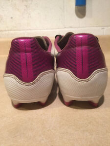 Women's Adidas F10 Outdoor Soccer Cleats Size 6.5 London Ontario image 2