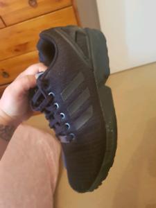 Adidas torsion triple black men's shoes Hamilton Hill Cockburn Area Preview