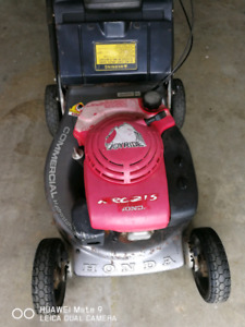 Honda commercial lawn mower self propelled, works very well