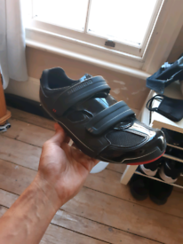 Shimano Dynalast size 45 cycling shoes plus cleats