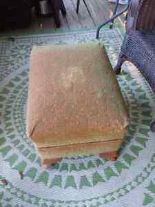 Footstool vintage with slip cover Peterborough Peterborough Area image 2