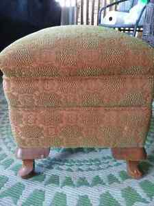 Footstool vintage with slip cover Peterborough Peterborough Area image 1