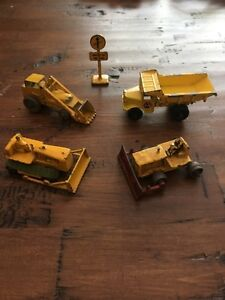 VINTAGE LOT CONSTRUCTION DIECAST TOYS