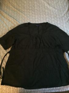 Vêtements maternité - chemises  grandeur XXL Thyme
