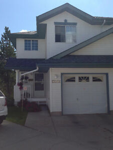 Beautiful Duplex w/Attached Garage & Free Snow Removal!