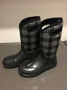 Winter Boots - Bogs (Insulated - 30Deg) (Girls/Youth) Size 5 Cambridge Kitchener Area image 1