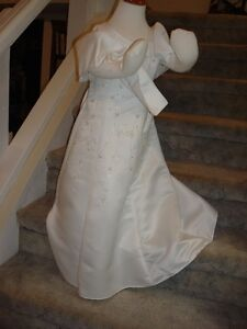 Special Occasion Dress/Flower Girl Dress NEW sz 4 Peterborough Peterborough Area image 3