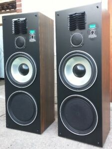 Sansui S-1117C - Big 160W Tower Speakers 12 Inch Woofers