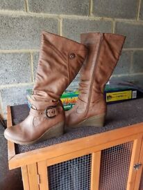 Womens various boots