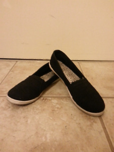 MISC Size 9 Ladies Shoes 2 to choose from