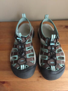 Keen H2 Newport Women's Sandals - Size 8.5