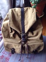 Fossil traveller backpack wanting to get rid of urgently