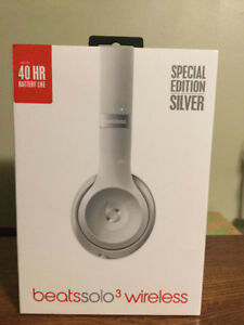 Unopened beats solo3 wireless headphone $229