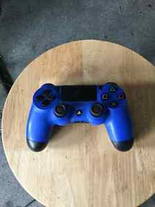 PS4 WITH EXTRA CONTROLLER AND 3 GAMES INCLUDED Kingston Kingston Area image 3