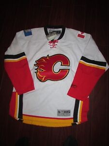 New Calgary Flames jersey size XL with patches on sleeves Kitchener / Waterloo Kitchener Area image 1