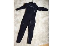 Ladies Oneil 5mm full wetsuit size 10