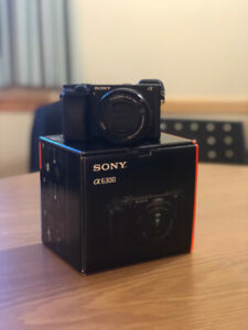 SELLING SONY A6300 LENS KIT, VERY GOOD CONDITION