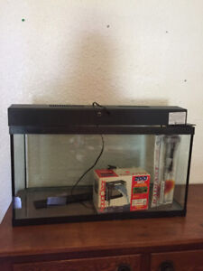Must sell Moving!!!! 20 Gallon Fish Tank Aquarium Never Used
