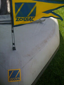 """ZODIAC INFLATABLE BOAT FLAG (BLUE & YELLOW) With 20"""" TALL MAST"""