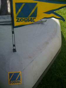 "ZODIAC INFLATABLE BOAT FLAG WITH POLE (BUE & YELLOW) 20"" TALL"