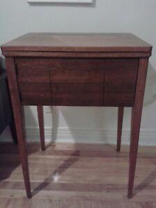 Machine à coudre antique type meuble années '50
