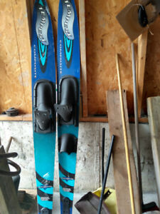 Pair of water ski. Very good condition.