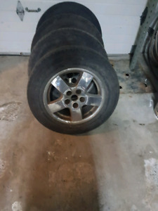 2004 Dodge caravan seats and tires 300$