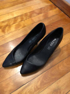 Barely worn women's shoes!
