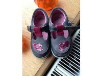 Clarks shoes size 6 1/2 G