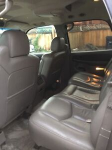 2003 Yukon Fully Loaded $5500 Call or Text 587 252 7282