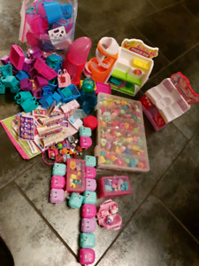 Tons of shopkins