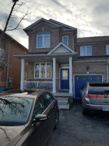 Square One Gorgeous/Stunning 4+1 Bedrooms, Semi Detached!
