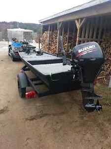 2014 Suzuki 8 hole 14 foot Jon boat