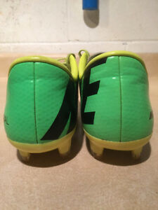 Nike Mercurial Outdoor Soccer Cleats Size 7 London Ontario image 2