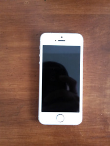iPhone 5s 16GB Silver Mint Condition