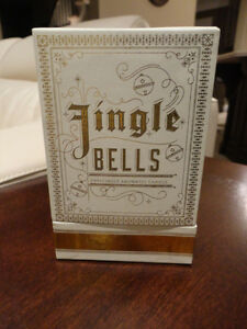 NEW Jingle Bells Enticingly Aromatic Candle - Vanilla Chestnuts Kitchener / Waterloo Kitchener Area image 2